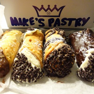 mike's pastry cannoli 2